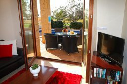 Гостиная. Кипр, Афродита Хиллз : Прекрасная вилла с бассейном и зеленым двориком, 2 спальни, парковка, Wi-Fi
