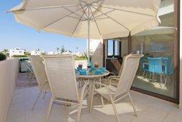 Обеденная зона. Кипр, Каво Марис Протарас : Прекрасная вилла с бассейном и двориком с барбекю, 3 спальни, 2 ванные комнаты, парковка, Wi-Fi