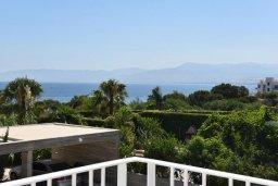 Вид на море. Кипр, Лачи : Роскошная современная вилла в 100 метрах от пляжа с бассейном и зеленым двориком, 5 спален, 3 ванные комнаты, барбекю, парковка, Wi-Fi