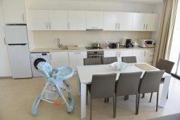 Кухня. Кипр, Лачи : Роскошная современная вилла в 100 метрах от пляжа с бассейном и зеленым двориком, 5 спален, 3 ванные комнаты, барбекю, парковка, Wi-Fi