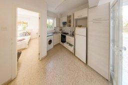 Кухня. Кипр, Пернера : Прекрасная вилла с двориком с барбекю, 3 спальни, парковка, Wi-Fi