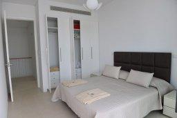 Спальня. Кипр, Лачи : Роскошная современная вилла в 100 метрах от пляжа с зеленым двориком, 3 спальни, 2 ванные комнаты, барбекю, парковка, Wi-Fi