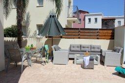 Патио. Кипр, Пернера : Прекрасная вилла с бассейном и двориком с барбекю, 3 спальни, 2 ванные комнаты, парковка, Wi-Fi