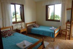 Спальня 2. Кипр, Лачи : Уютная вилла с бассейном в 100 метрах от пляжа, 2 спальни, парковка, Wi-Fi