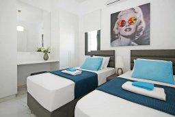 Спальня 3. Кипр, Пернера : Современная вилла в 150 метрах от пляжа с бассейном и приватным двориком с барбекю, 3 спальни, 2 ванные комнаты, парковка, Wi-Fi