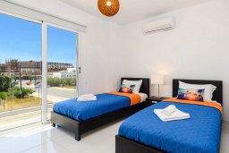 Спальня 2. Кипр, Нисси Бич : Современная потрясающая вилла с 3-мя спальнями, бассейном, солнечной террасой с патио, барбекю и садом на крыше