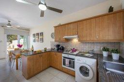 Кухня. Кипр, Фиг Три Бэй Протарас : Уютная вилла с 2-мя спальнями, бассейном, патио и барбекю, расположена недалеко от пляжа Fig Tree Bay
