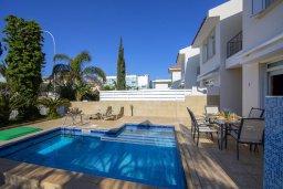 Бассейн. Кипр, Фиг Три Бэй Протарас : Уютная вилла с 2-мя спальнями, бассейном, патио и барбекю, расположена недалеко от пляжа Fig Tree Bay