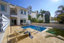 Фасад дома. Кипр, Фиг Три Бэй Протарас : Уютная вилла с 2-мя спальнями, бассейном, патио и барбекю, расположена недалеко от пляжа Fig Tree Bay