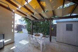 Терраса. Кипр, Фиг Три Бэй Протарас : Уютная вилла с 2-мя спальнями, бассейном, патио и барбекю, расположена недалеко от пляжа Fig Tree Bay