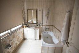 Ванная комната. Кипр, Каво Марис Протарас : Роскошная вилла в 100 метрах от пляжа с бассейном и видом на море, 5 спален, 4 ванные комнаты, парковка, Wi-Fi