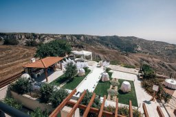 Территория. Кипр, Пейя : Роскошная вилла с бассейном и джакузи, 5 спален, 4 ванные комнаты, парковка, Wi-Fi
