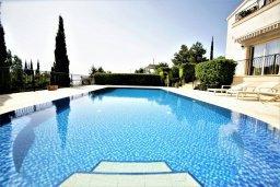 Бассейн. Кипр, Киссонерга : Роскошная вилла с бассейном и двориком с барбекю, 5 спален, 4 ванные комнаты, парковка, Wi-Fi