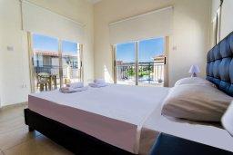 Спальня. Кипр, Полис город : Потрясающая вилла с бассейном и двориком с барбекю, 3 спальни, 3 ванные комнаты, парковка, Wi-Fi