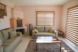 Гостиная. Кипр, Полис город : Роскошная вилла с бассейном и двориком с барбекю, 3 спальни, 3 ванные комнаты, парковка, Wi-Fi