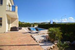 Территория. Кипр, Полис город : Роскошная вилла с бассейном и двориком с барбекю, 3 спальни, 3 ванные комнаты, парковка, Wi-Fi