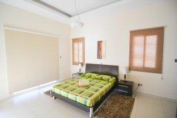 Спальня. Кипр, Полис город : Роскошная вилла с бассейном и двориком с барбекю, 3 спальни, 3 ванные комнаты, парковка, Wi-Fi