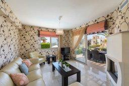 Гостиная. Кипр, Аргака : Прекрасная вилла в 150 метрах от пляжа с бассейном и двориком с барбекю, 3 спальни, 3 ванные комнаты, парковка, Wi-Fi