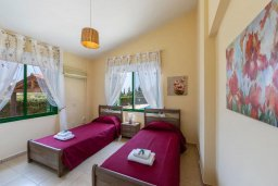 Спальня 2. Кипр, Си Кейвз : Уютная вилла с бассейном и двориком с барбекю, 2 спальни, 2 ванные комнаты, парковка, Wi-Fi