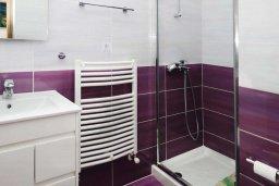 Ванная комната. Кипр, Помос : Прекрасная вилла с бассейном и видом на море, 4 спальни, 5 ванных комнат, парковка, Wi-Fi