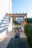 Территория. Кипр, Корал Бэй : Современная вилла с бассейном и двориком с барбекю, 3 спальни, 3 ванные комнаты, парковка, Wi-Fi