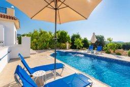 Бассейн. Кипр, Полис город : Прекрасная вилла с бассейном и зеленым двориком с барбекю, 3 спальни, 3 ванные комнаты, парковка, Wi-Fi