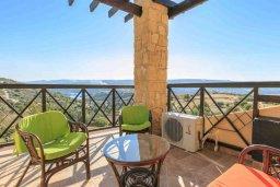Балкон. Кипр, Скулли : Прекрасная вилла с бассейном и зеленым двориком с барбекю, 4 спальни, 5 ванных комнат, парковка, Wi-Fi