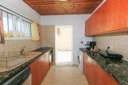 Кухня. Кипр, Айя Марина Хрисохус : Уютная вилла с бассейном и двориком с барбекю, 3 спальни, 3 ванные комнаты, парковка, Wi-Fi