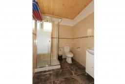Ванная комната 2. Кипр, Айя Марина Хрисохус : Уютная вилла с бассейном и двориком с барбекю, 3 спальни, 3 ванные комнаты, парковка, Wi-Fi
