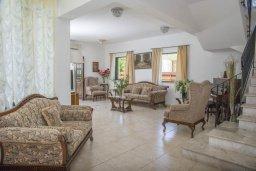 Гостиная. Кипр, Айя Марина Хрисохус : Прекрасная вилла с бассейном и двориком с барбекю, 4 спальни, 3 ванные комнаты, парковка, Wi-Fi