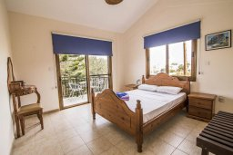Спальня. Кипр, Лачи : Превосходная вилла в 150 метрах от пляжа с бассейном и зеленым двориком с барбекю, 4 спальни, 3 ванные комнаты, парковка, Wi-Fi
