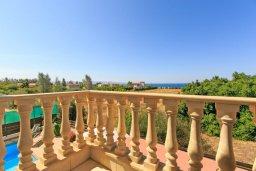 Балкон. Кипр, Айя Марина Хрисохус : Превосходная вилла с бассейном и двориком с барбекю, 4 спальни, 3 ванные комнаты, парковка, Wi-Fi