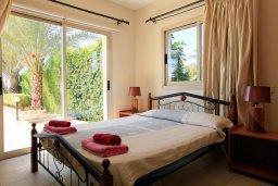 Спальня. Кипр, Си Кейвз : Уютная вилла с бассейном и двориком с барбекю, 3 спальни, 4 ванные комнаты, парковка, Wi-Fi