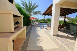 Территория. Кипр, Си Кейвз : Уютная вилла с бассейном и двориком с барбекю, 4 спальни, 4 ванные комнаты, парковка, Wi-Fi
