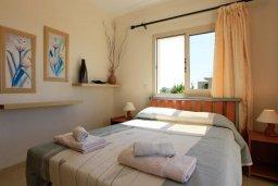 Спальня. Кипр, Си Кейвз : Уютная вилла с бассейном и двориком с барбекю, 4 спальни, 4 ванные комнаты, парковка, Wi-Fi
