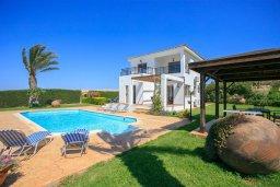 Фасад дома. Кипр, Помос : Прекрасная вилла в 30 метрах от пляжа с бассейном и шикарным видом на море, 3 спальни, 3 ванные комнаты, барбекю, парковка, Wi-Fi