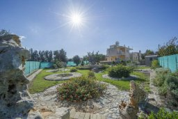 Территория. Кипр, Полис город : Роскошная вилла с бассейном и зеленым садом, 3 спальни, 2 ванные комнаты, барбекю, парковка, Wi-Fi