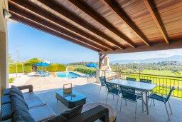 Патио. Кипр, Полис город : Прекрасная вилла с бассейном и двориком с барбекю, 3 спальни, 3 ванные комнаты, парковка, Wi-Fi