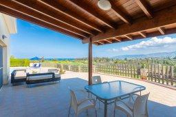 Территория. Кипр, Полис город : Прекрасная вилла с бассейном и двориком с барбекю, 3 спальни, 3 ванные комнаты, парковка, Wi-Fi