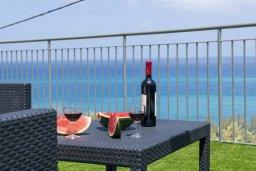Территория. Кипр, Помос : Современная вилла с бассейном и видом на море, 3 спальни, 2 ванные комнаты, зеленая лужайка, барбекю, парковка, Wi-Fi