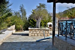 Территория. Кипр, Помос : Роскошная пляжная вилла с бассейном и шикарным видом на море, 3 спальни, 2 ванные комнаты, парковка, Wi-Fi
