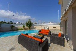 Патио. Кипр, Пернера : Потрясающая вилла с 3-мя спальнями, 2-мя ванными комнатами, с бассейном, тенистой террасой с патио, lounge-зоной и барбекю, расположена в одном из лучших районов Протараса