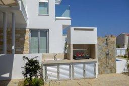 Территория. Кипр, Коннос Бэй : Современная шикарная вилла с 4-мя спальнями, 4-мя ванными комнатами, бассейном, патио, барбекю и меблированной террасой на крыше с джакузи и невероятным видом на море