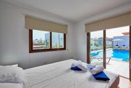 Спальня 2. Кипр, Нисси Бич : Роскошная вилла с бассейном и зеленым двориком, 3 спальни, 2 ванные комнаты, парковка, Wi-Fi