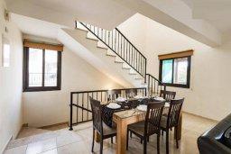 Обеденная зона. Кипр, Писсури : Прекрасная вилла с бассейном и двориком с барбекю, 5 спален, 7 ванных комнат, парковка, Wi-Fi