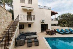 Фасад дома. Кипр, Писсури : Прекрасная вилла с бассейном и двориком с барбекю, 5 спален, 7 ванных комнат, парковка, Wi-Fi