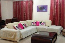Гостиная. Кипр, Си Кейвз : Прекрасная вилла с бассейном, 5 спален, 4 ванные комнаты, парковка, Wi-Fi