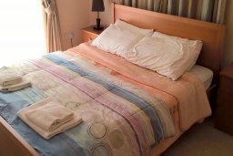 Спальня. Кипр, Писсури : Прекрасная вилла с бассейном и двориком с барбекю, 2 спальни, 2 ванные комнаты, парковка, Wi-Fi
