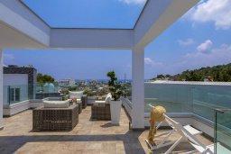 Патио. Кипр, Фиг Три Бэй Протарас : Роскошная вилла с потрясающим видом на Средиземное море, с 4-мя спальнями, 3-мя ванными комнатами, бассейном, террасой с барбекю и великолепном патио на крыше