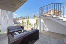 Патио. Кипр, Нисси Бич : Современная вилла с 3-мя спальнями, бассейном, солнечной террасой с патио, барбекю и садом на крыше
